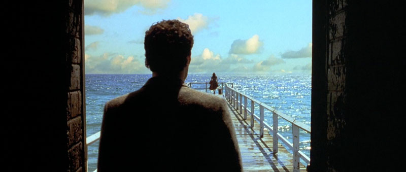 Fig. 3.05: John Murdock's arrival at Shell Beach in Dark City