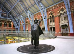Fig. 4.21: John Betjeman sculpture at London's St. Pancras Terminal